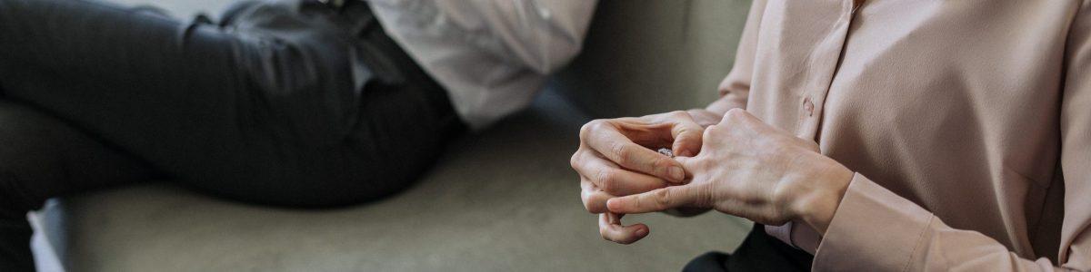 divorcio. ex-pareja no quiere dar permiso para hijo terapia